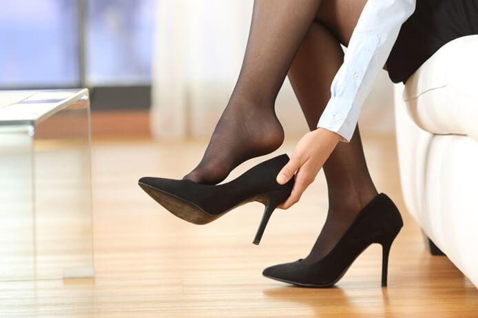 もう体臭で悩まない!研究員に聞く、女性の頭皮・足・脇のニオイケア方法&アイテム