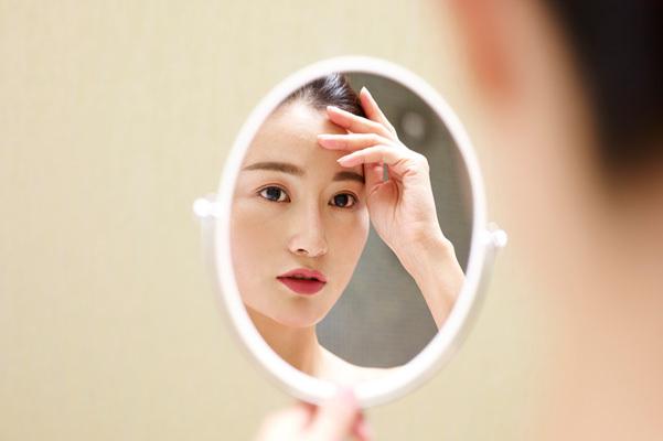 【生理周期に合わせた肌荒れ対策】知らなきゃ損する女性ホルモンと肌の関係